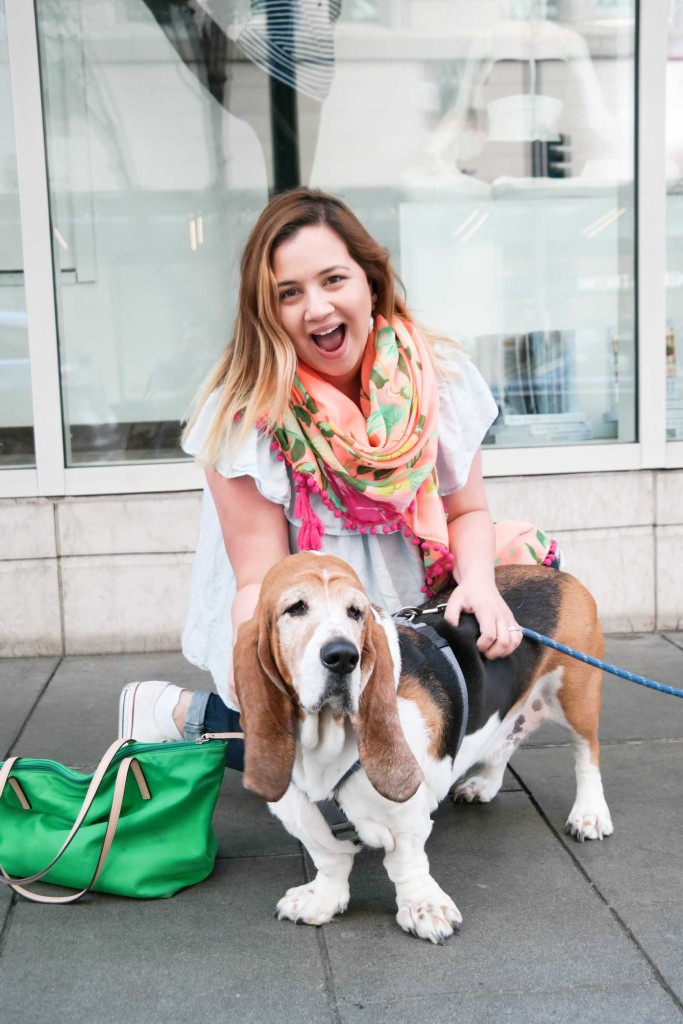 Nicole-meets-a-basset-in-Seattle